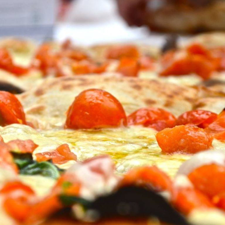 Pizza place Happy Hour & After-dinner Wine Bar Diner Starita Milano Fiera Campionaria