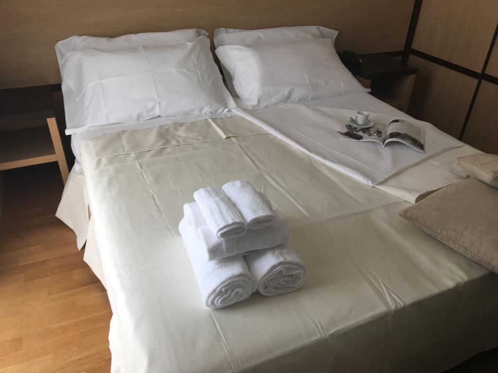 Matrimoniale Standard Hotel Royal, Porto d'Ascoli (4)