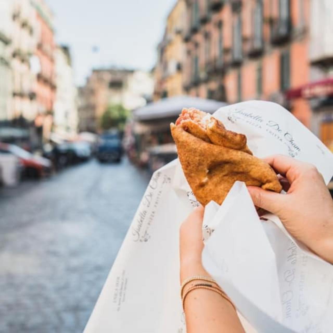 Isabella De Cham Pizza Fritta