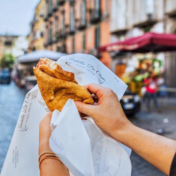 Isabella De Cham Pizza Fritta, Napoli (1)