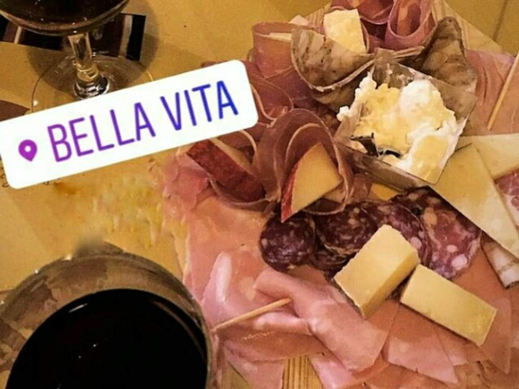 Happy Hour & After-dinner Wine Bar Bella Vita Bologna