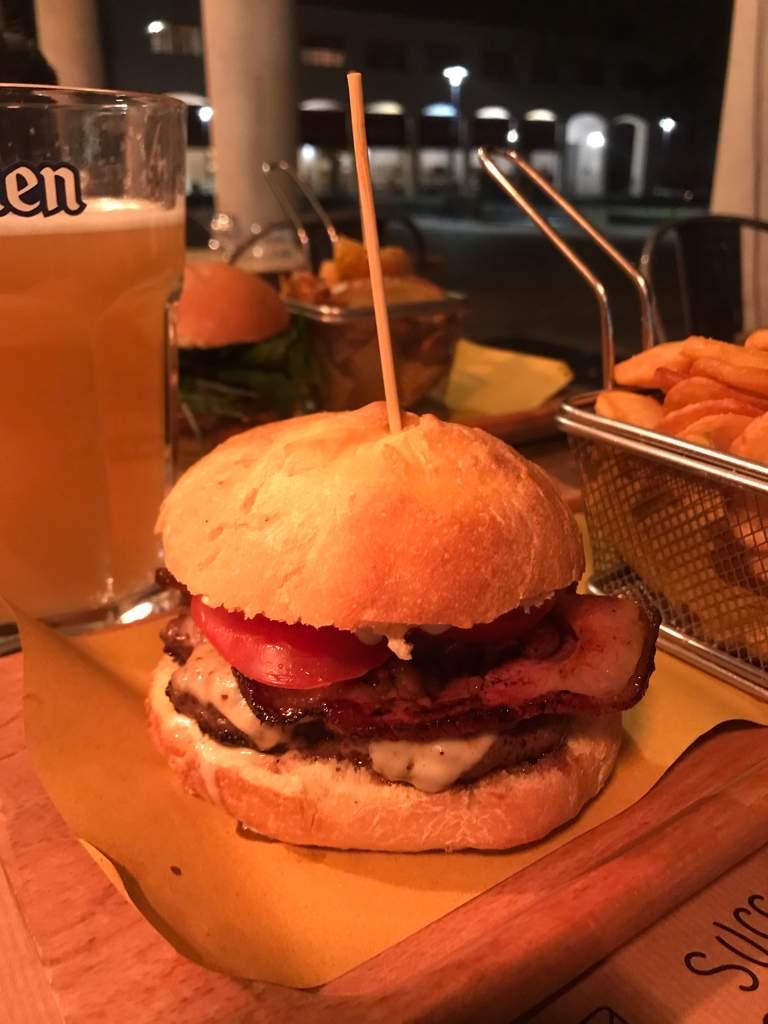 Sandwich Shop Restaurant Well Done Burger Modena