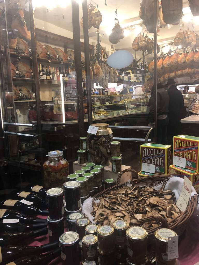 Grocery shop Tavern Enogastronomia Giusti Modena