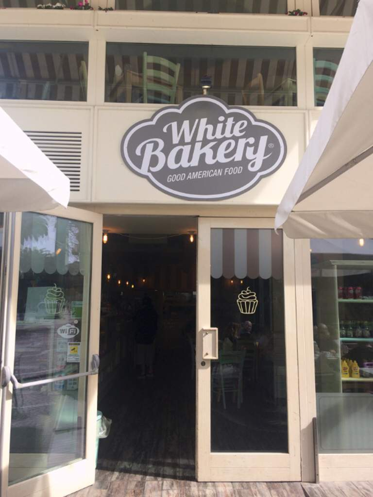 Sandwich Shop Coffee Bar Restaurant Dessert and Pastry Shop White Bakery San Benedetto del Tronto