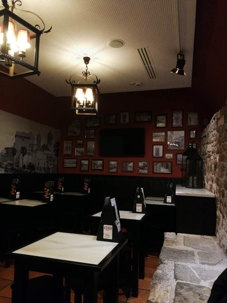 Fast Food Sandwich Shop 100 Montaditos  Campitelli
