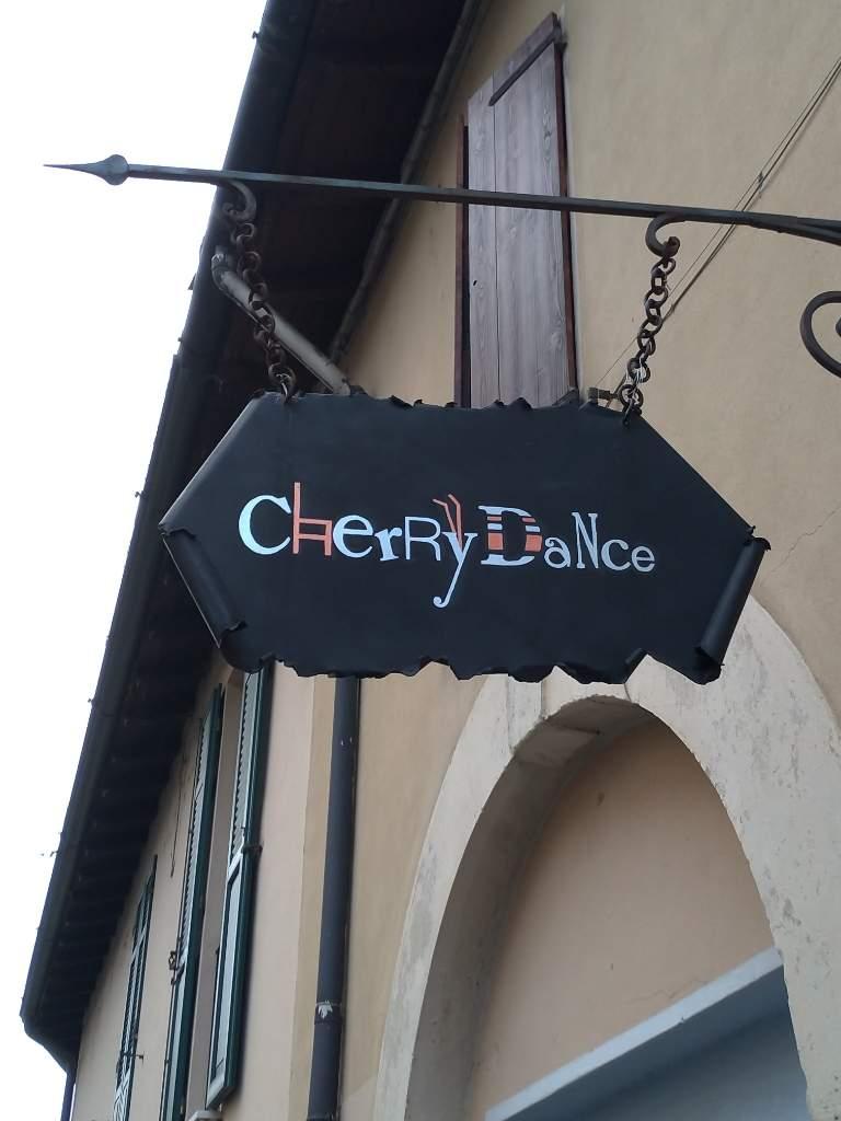 Gastropub Pub Cherry Dance Campiani