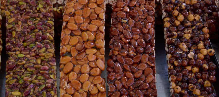 , IL TORRONE: LE ORIGINI E LA STORIA DEL PIÙ ANTICO DOLCE NATALIZIO, Foodiestrip.blog