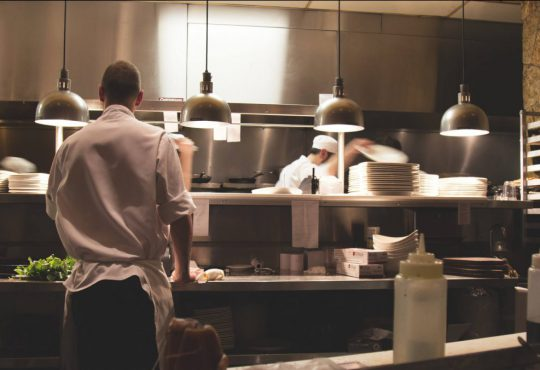 , TRICKS AND STRATEGIES USED BY RESTAURANTS FOR SELLING MORE, Foodiestrip.blog
