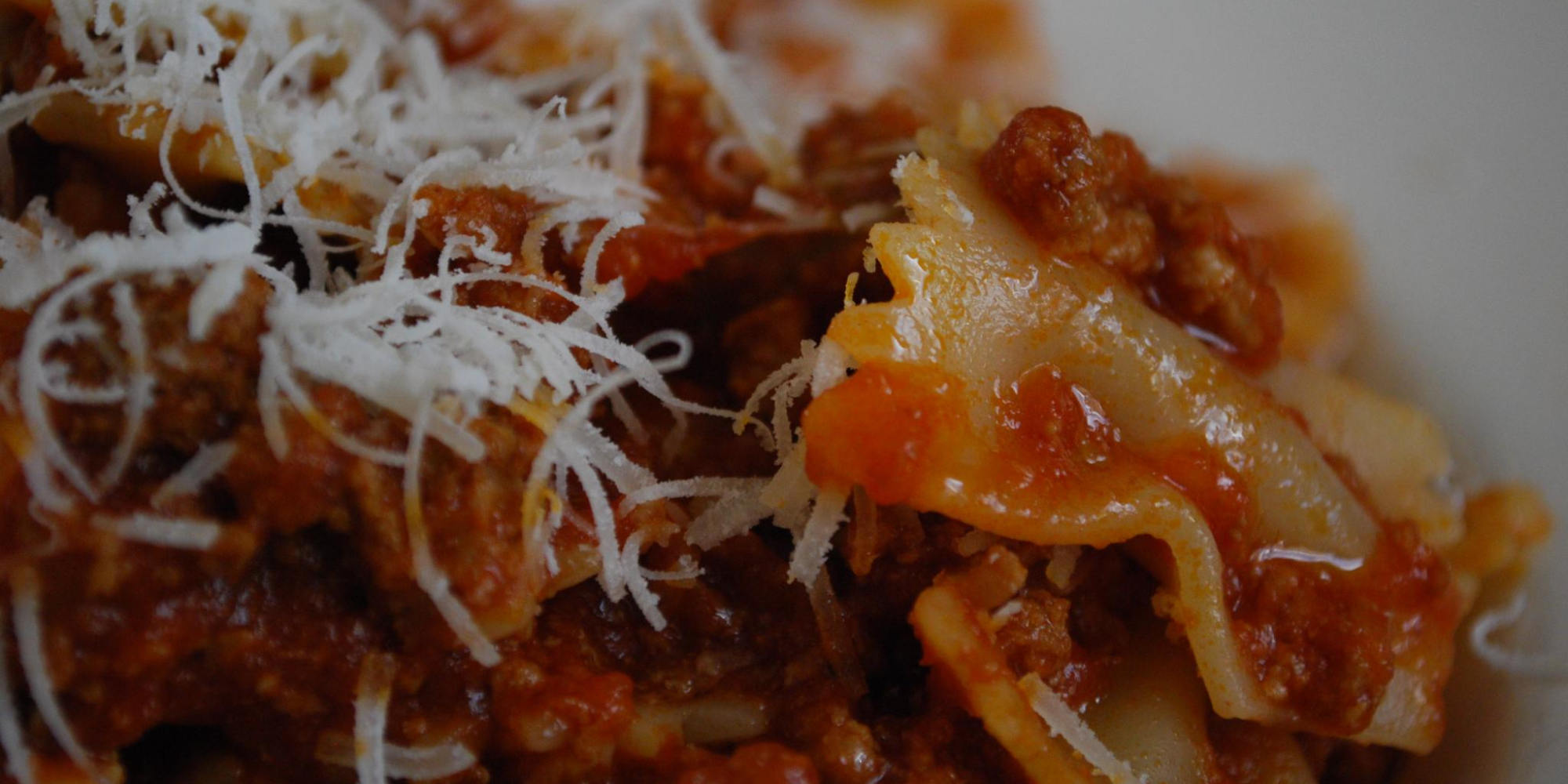 THE COUNTRY OF THE RAGU: HISTORY AND DIFFERENCES OF THE NEAPOLITAN AND BOLOGNESE RAGU